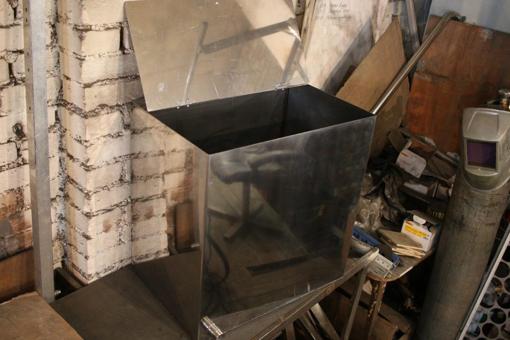 Бизнес в гараже на баках для воды