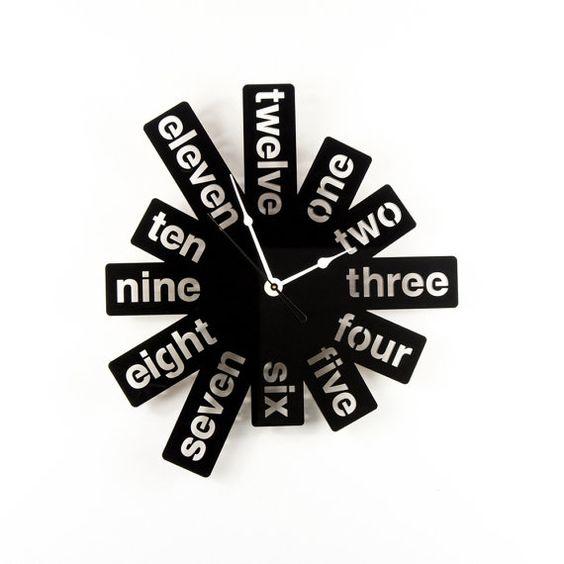 Часы игра в слова, идеи для лазерной резки